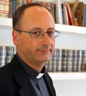 Pe. Spadaro, especialista em novas mídias